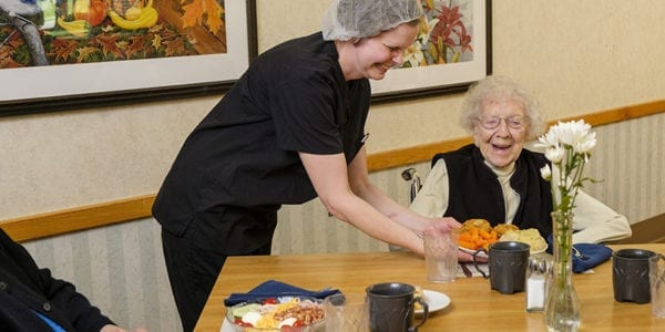 Assisted living residents at pickaway manor dining